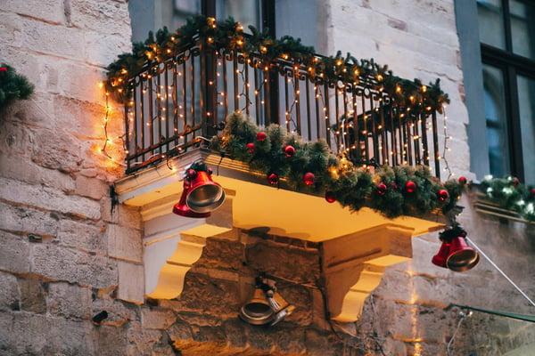 christmas decor on balcony