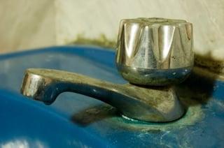 dirty sink faucet.jpg